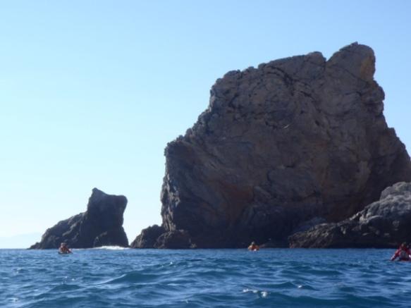 El Gat de Norfeu, juntament amb el Cavall Bernat, formen part de les illes Moniques