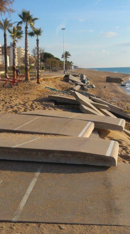 Pineda de Mar. El tram del passeig marítim destrossat pel temporal de desembre que haurà de pagar l'Ajuntament